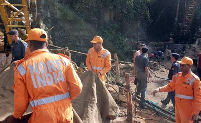 Hindistan'da maden çöktü, 13 madenci kayıp