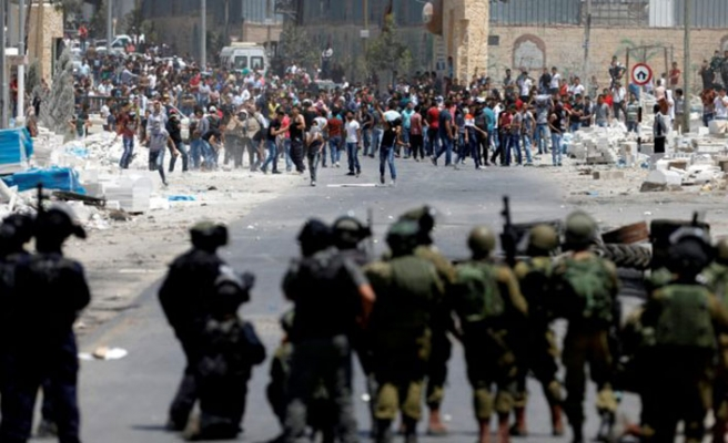 İsrail iki şehre girişleri kapattı
