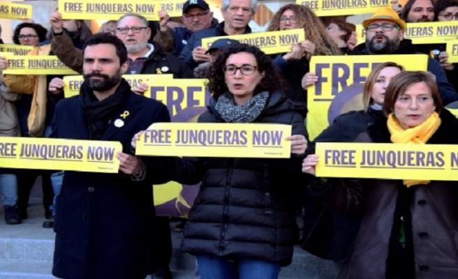 Katalan siyasetçiler açlık grevinde
