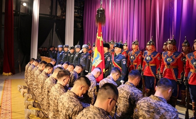 Moğol askerleri yeniden Afganistan yolunda