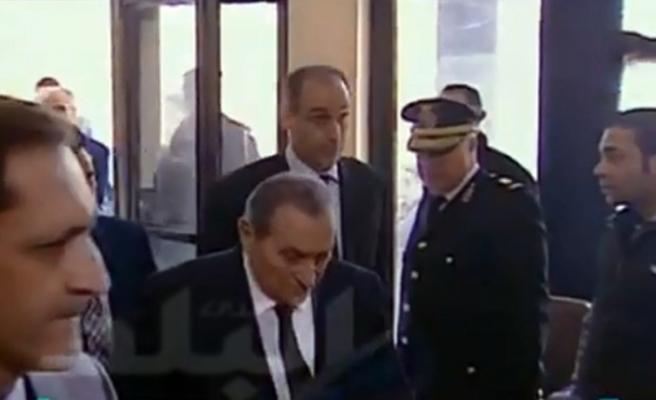 Mursi davasının tanığı Mübarek mahkemeye geldi