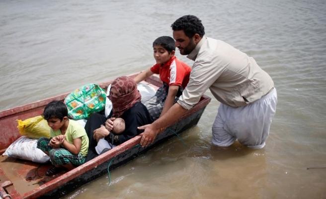 Musul'da sel aileleri mahsur bıraktı