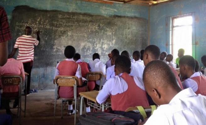 Nijerya'nın üçte biri okur yazar değil