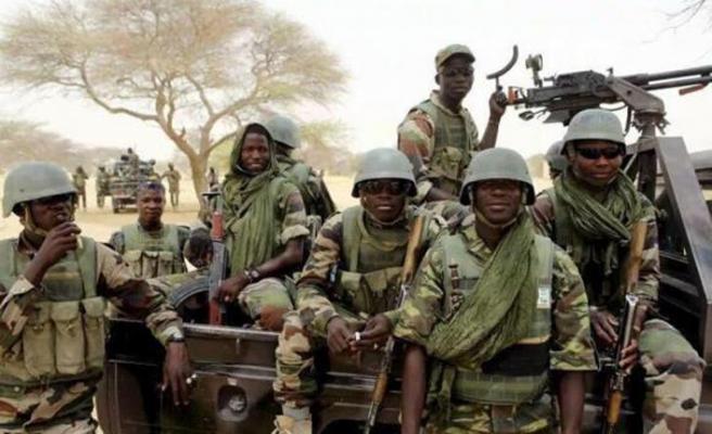 Nijerya ordusuna saldırı, 13 ölü