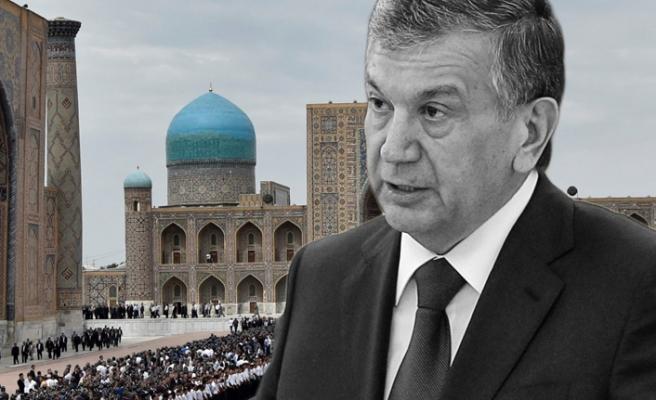 Özbekistan rejiminin Anayasal sorunları