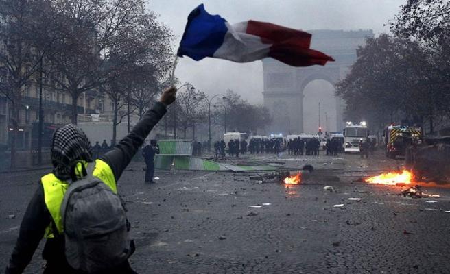 Polis sendikaları da 'sarı yelekliler'e destek verdi
