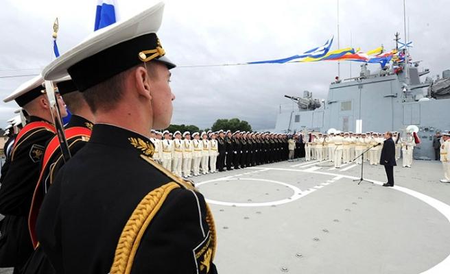 Rus amiralden Alman filozofa hakaret