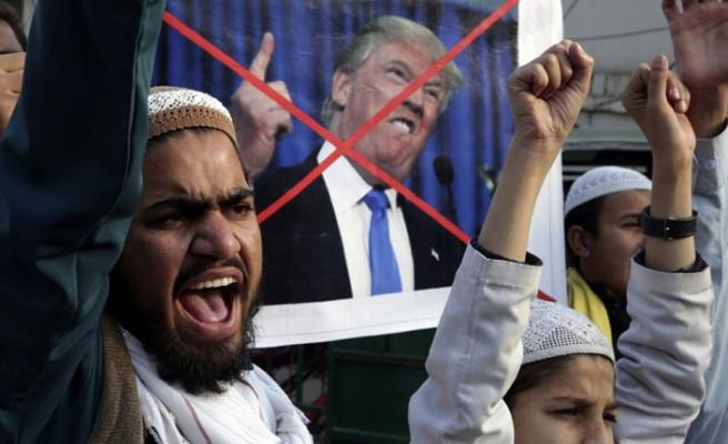 Trump Pakistan'dan destek istedi