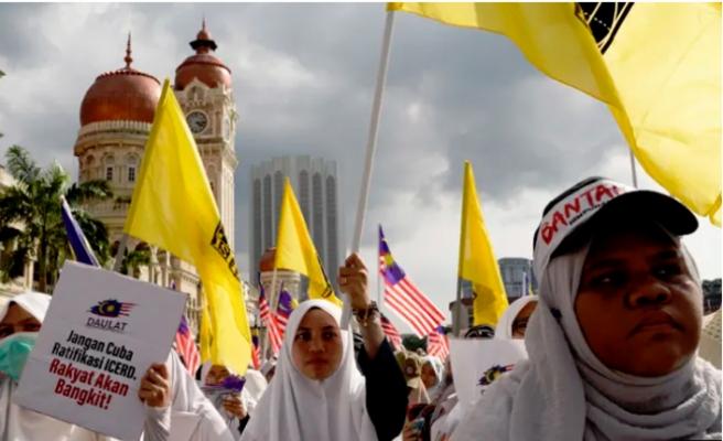 Yeni Malezya'da değişim sancısı