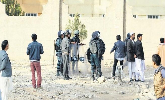 Afganistan'da FETÖ okullarına operasyon
