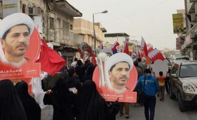 Bahreyn'de muhalif lidere müebbet hapis cezası onandı