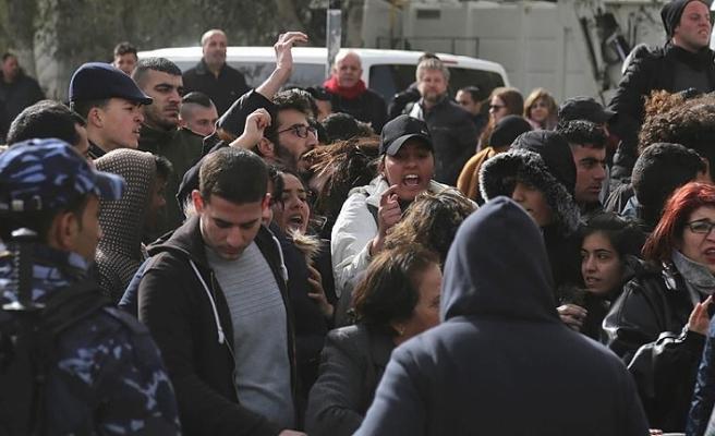 Beytüllahim'de Patrik 3. Theophilos protestosu