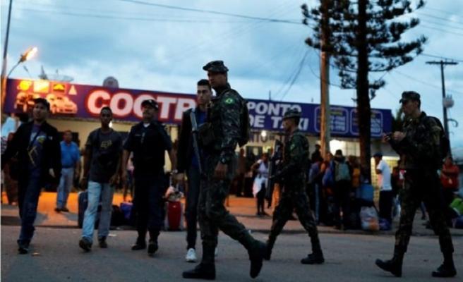 Brezilya'da asker sokağa indi
