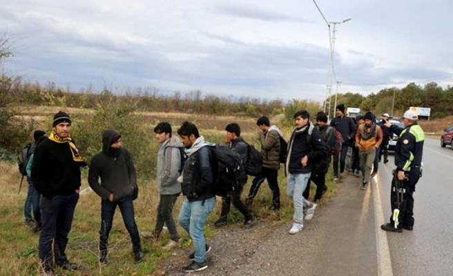 Edirne'de çok sayıda göçmene operasyon