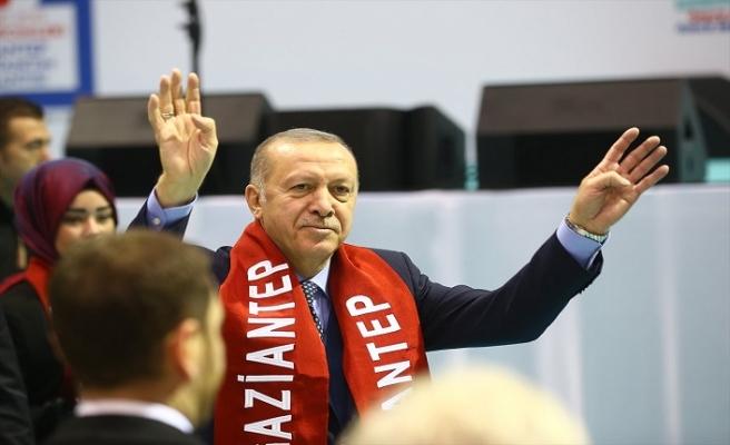 Erdoğan, AK Parti'nin Gaziantep ilçe belediye başkan adaylarını açıkladı