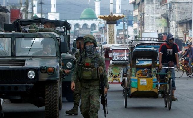 Filipinler'de kiliseye saldırı, ölü ve yaralılar var