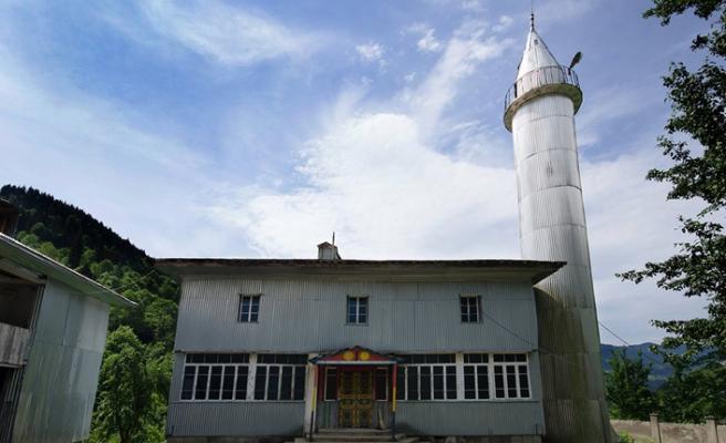 Gürcistan'ın Müslüman mirası ahşap camileri