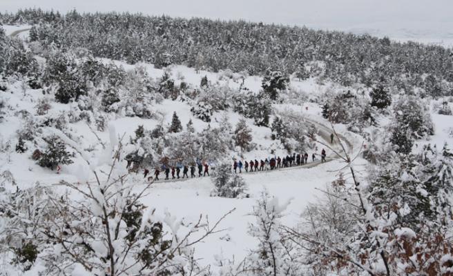 İHH Doğu Türkistan için Aladağ'a tırmandı