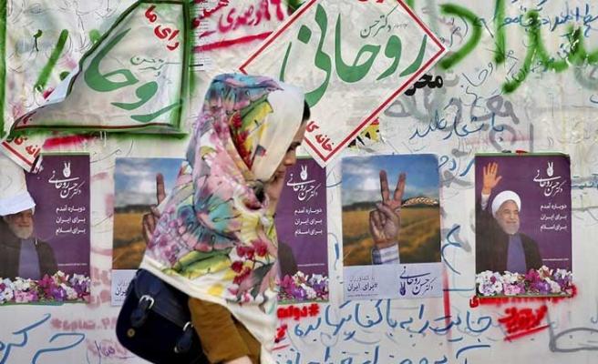 İran'da instagram tartışılıyor