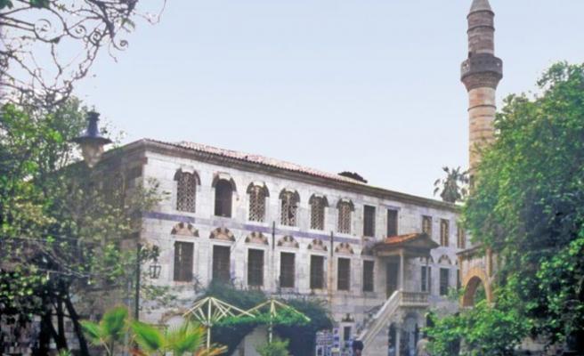 İstanköy'de vakıf arazisinin satışına tepki