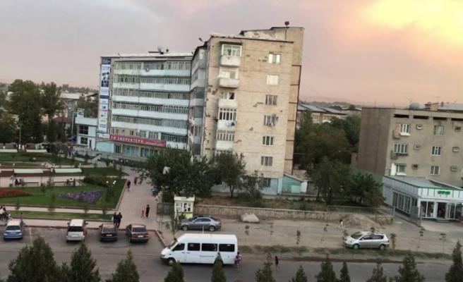 Kırgızistan'da sokakta tükürme cezasının ilki bir polise verildi