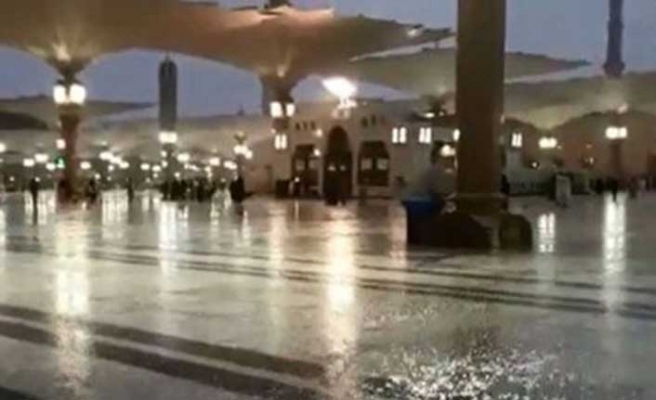 Medine'de şiddetli yağış baskına neden oldu