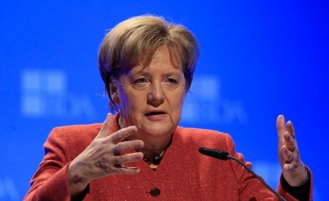 Merkel'den 'tarımda dijitalleşme' uyarısı