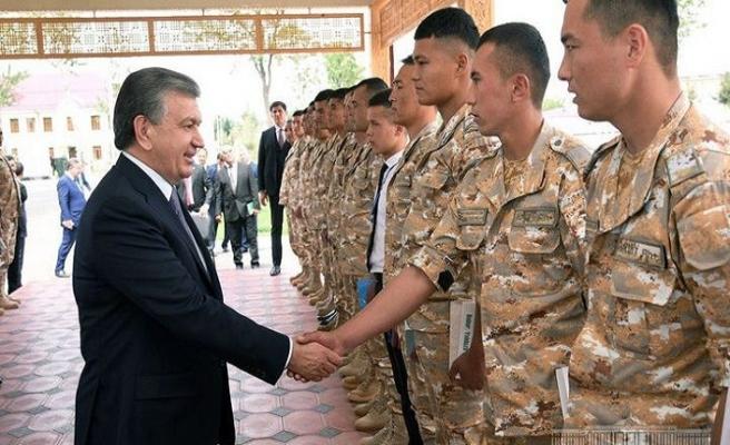 Özbekistan'da ilk askeri enstitü açıldı