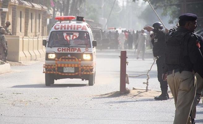 Pakistan'da askeri eğitim merkezine saldırı