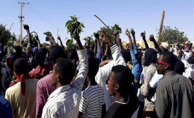 Sudan muhalefetinden bir haftalık intifada çağrısı