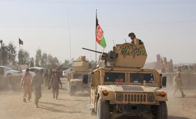Taliban polis karakoluna saldırdı