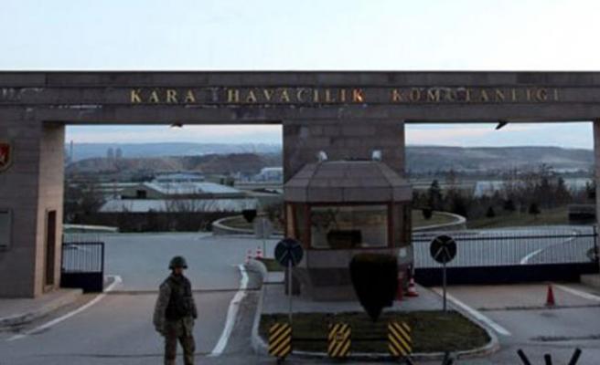 TSK'da pilotlara FETÖ operasyonu, 63 gözaltı