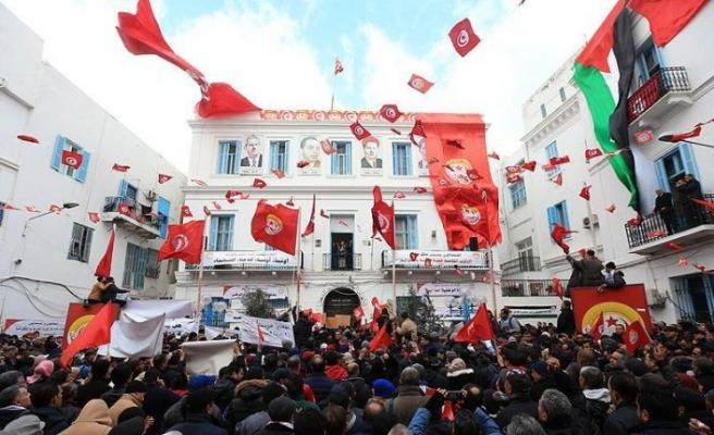 Tunus'un en büyük sendikası grev kararında ısrarcı