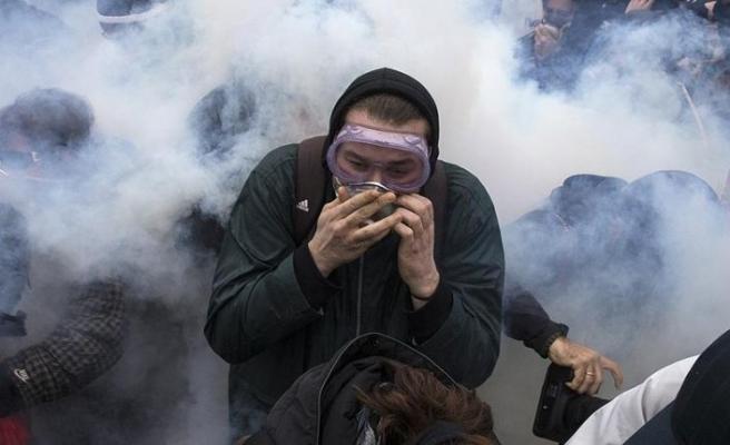 Yunanistan'da öğretmenlerden olaylı gösteri