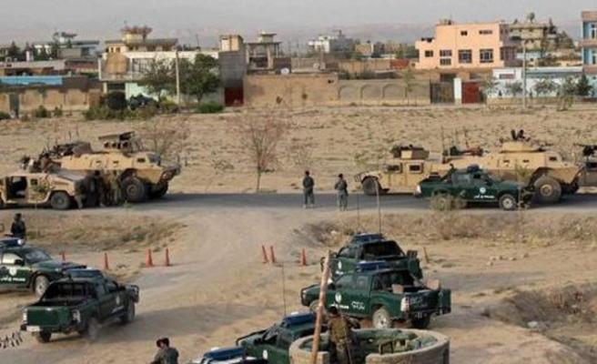 Afgan hava kuvvetleri yanlışlıkla askeri karakolu bombaladı
