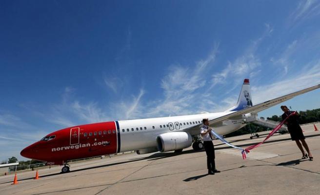 Bomba ihbarı yapılan uçak İsveç'e geri döndü