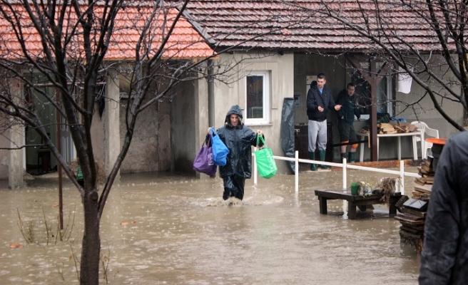 Bosna Hersek'te şiddetli yağış sele neden oldu