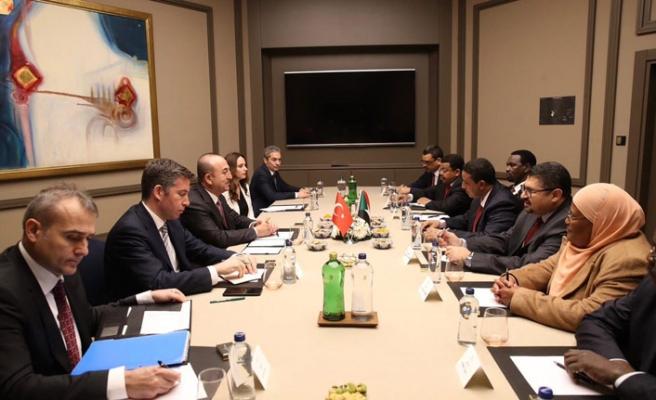 Çavuşoğlu Sudan Cumhurbaşkanlığı heyetiyle görüştü