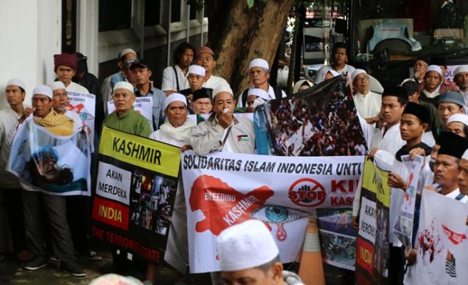 Endonezyalılar Keşmir için Hindistan'ı protesto etti