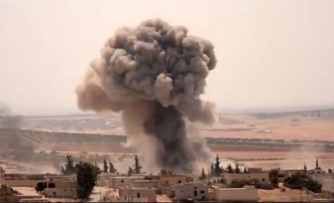 Esed İdlib'e bir günde 100 topçu saldırısı düzenledi