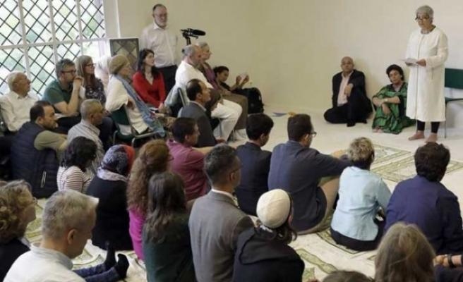 'Fransa İslamı'nda ilk adım, Kadın-erkek aynı safta namaz…