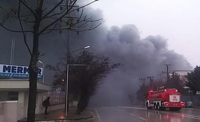 Gaziantep'te iplik fabrikasında yangın çıktı