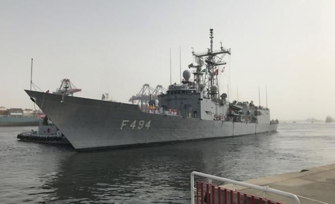 Gökçeada Fırkateyni Karaçi limanına yanaştı