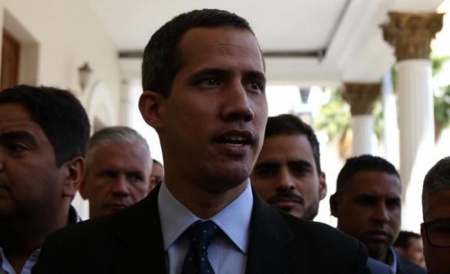 Guaido'dan ailesinin polislerce soruşturulduğu iddiası