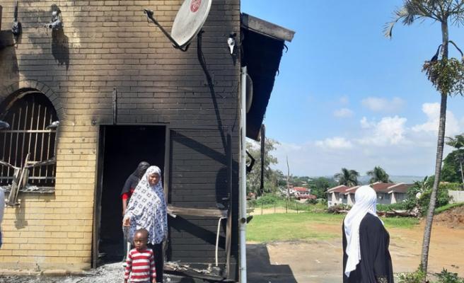 Güney Afrika'da cami ateşe verildi