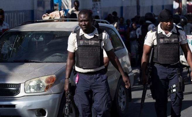 Haiti'de otomatik silahlarla yakalanan ABD'liler ülkelerine döndü