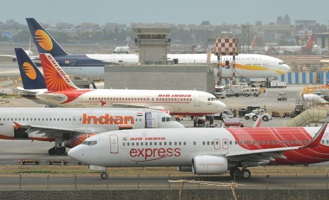 Hindistan'dan sıcak adım: Uçuşları yeniden başlattı