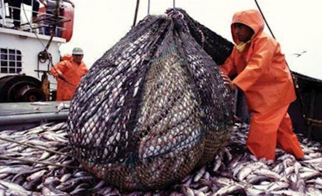 İran Çinli balıkçıların gemilerini karasularında istemiyor