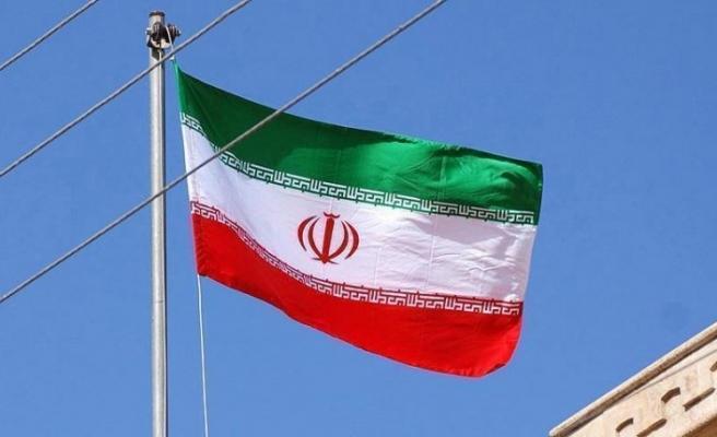 İranlı komutan hükümete 'füze programı konusunda' yüklendi