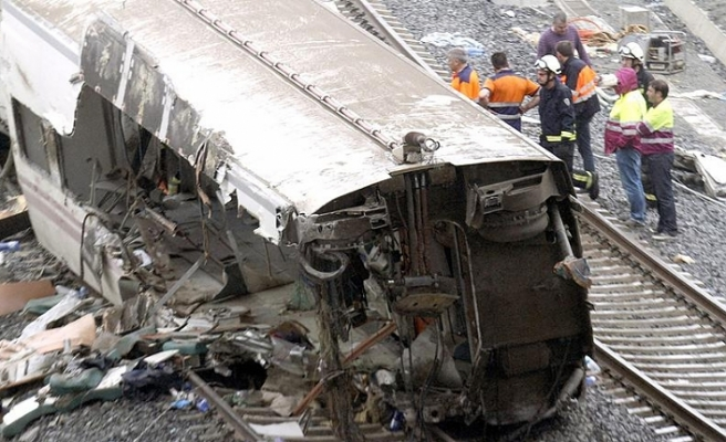 İspanya'da tren kazası: 1 ölü, 8 yaralı